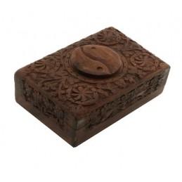 Boite tarots Yin et Yang en bois sculpté 15.5x10x6.5 cm