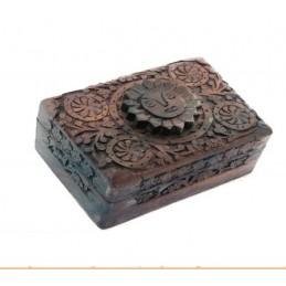 Boite tarots SOLEIL en bois sculpté 15.5x10x6.5 cm