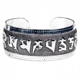 Bracelet tribal en argent - Miao avec mantra Om Mani Pad Me Hum